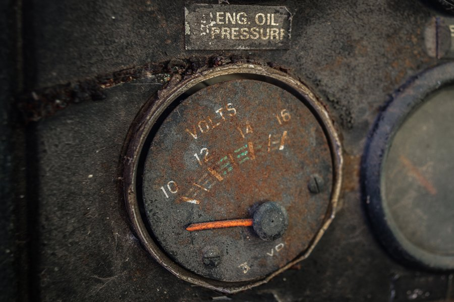 Oil pressure. Photo by darkday/Flickr